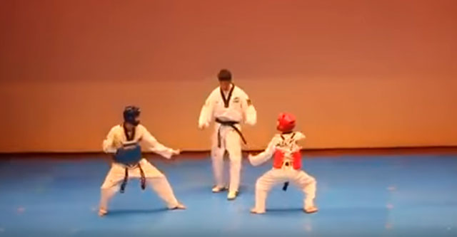 Юные каратисты танцуют