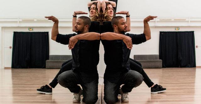 Зеркальный танец