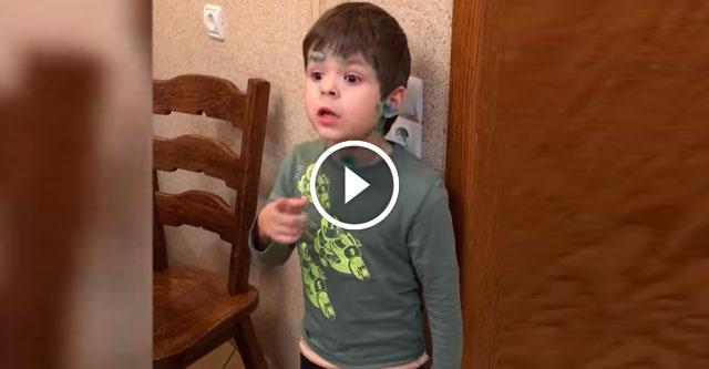 Мальчик возмущен тем, что папа убил мышку